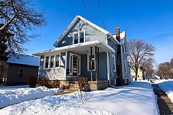 Building, 1127 N Sawyer St, 0