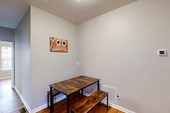 Room for Rent - Almond Park Home, 1