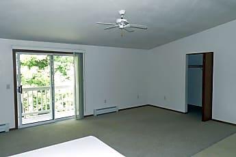 Oconto Park Apartments, 1