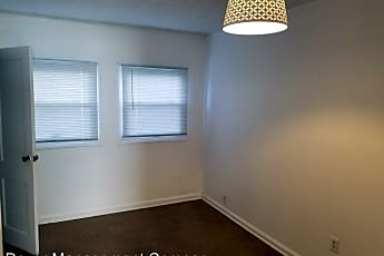 Dining Room, 902 S 9th St, 1