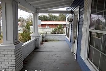 Patio / Deck, 403 W Crawford St, 1