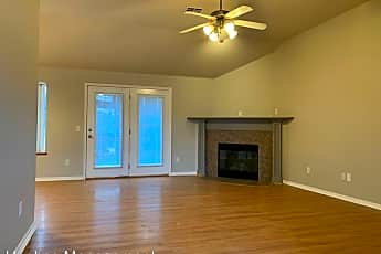 Living Room, 519 Woodbriar Rd, 1