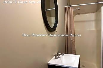 Bathroom, 2263 E Calle Alta Vis, 2