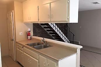 Kitchen, 2114 Peppertree Way 2, 1