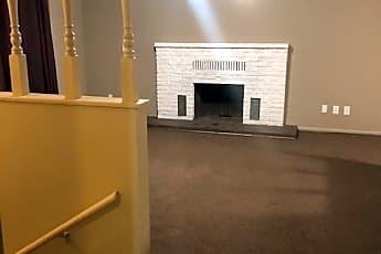 Building, 546 Cedarwood Terrace, 1