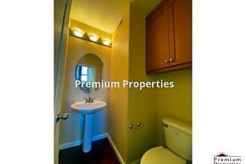 Bathroom, 1548 Sunnyvale Ave, 2