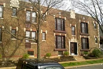 Building, 934 Concordia Ln, 0