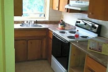 Kitchen, 32 Cedar St, 1