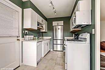 Kitchen, 670 Park Ave W, 0