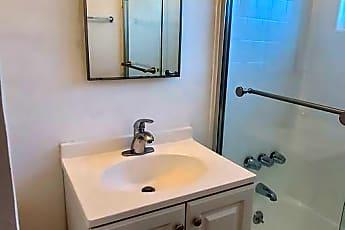Bathroom, 611 S Flower St, 0