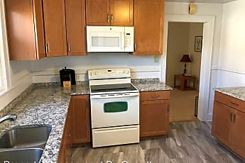 Kitchen, WEEKLY RENTAL !!!  3205 Kenmore unit A, 2