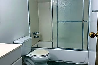 Bathroom, 5 Simmons St, 2