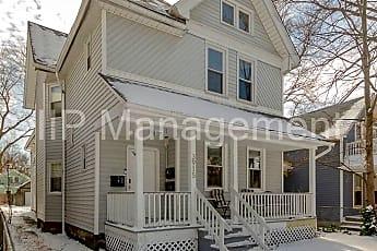 Building, 3915 John Ave, 1