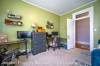 Bedroom, 409 S South St, 2
