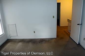 Living Room, 113 Clemson St, 2
