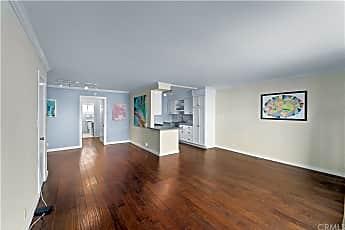 Living Room, 951 N Gardner St 3, 1