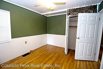 Bedroom, 422 N Cedar St, 2