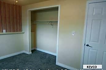 Bedroom, 1504 Elm St, 2