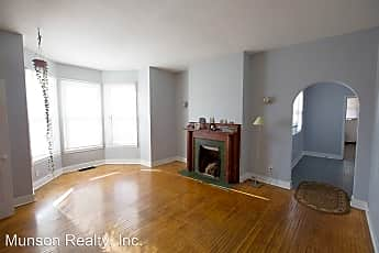 Living Room, 628 7th St S, 0