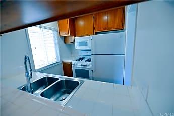 Living Room, 2715 Calle Del Comercio D, 1