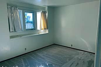 Bathroom, 27951 Edgecliff Way, 2