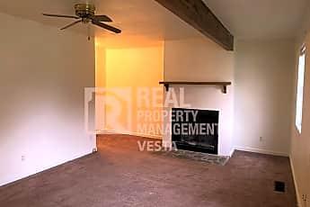 Bedroom, 627 Maplewood Dr, 1