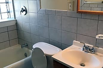 Bathroom, 372 Winspear Ave, 2