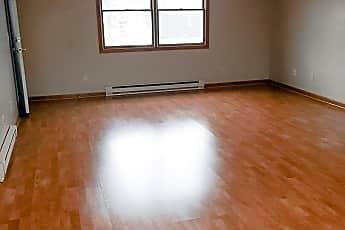 Living Room, 716 Sloan St, 2