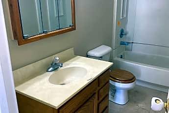 Bathroom, 511 E Franklin St S, 2