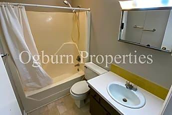 Bathroom, 2350 Bay Meadows Ct, 2