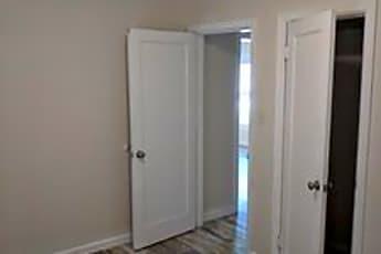 Bathroom, 5708 N Keystone Ave, 1