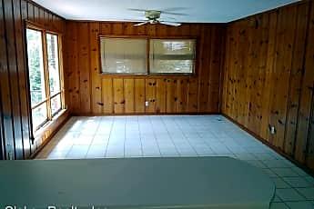 Living Room, 1304 Bellevue Dr, 2
