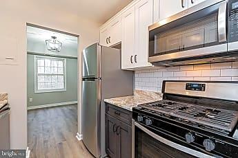 Kitchen, 3901 Lyndhurst Dr 303, 1
