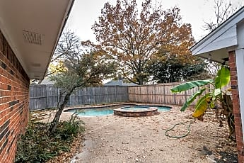 Pool, 3612 Worthington Way, 2