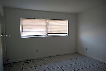 Living Room, 1885 NE 121st St 8, 2