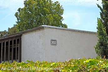 Community Signage, 302 Miraleste Dr, 1