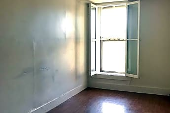 Bedroom, 203 College St, 1