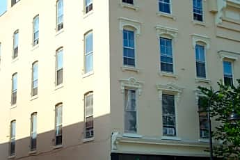 Building, 203 College St, 2