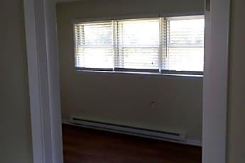 Building, 6639 W Lloyd Dr, 1
