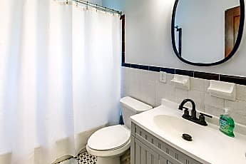 Bathroom, Room for Rent -  a 4 minute walk to bus stop N Cen, 0