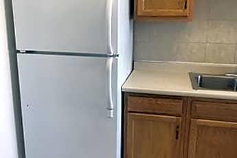 Kitchen, 372 Winspear Ave, 2