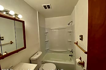 Bathroom, 73 Floral Ave, 2