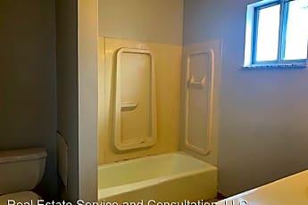 Bathroom, 128 N Walnut St, 2