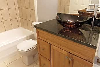 Bathroom, 809 Russell Ln, 2
