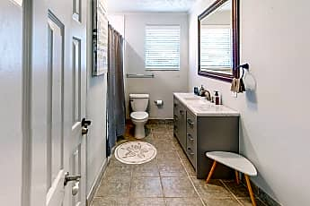 Bathroom, Room for Rent - Pendergrass Home, 0
