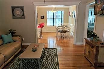 Living Room, 715 N Calhoun St, 0