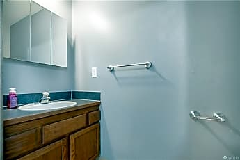Bathroom, 509 South 43rd Street, 2