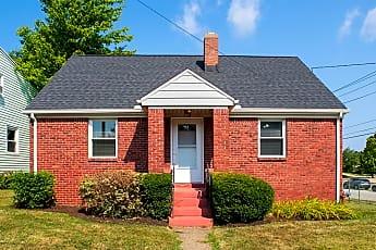 Building, 558 E 38th St, 0