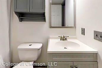 Bathroom, 109 College St, 1
