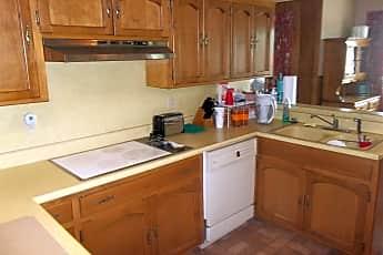 Kitchen, 680 Mohave Trail, 2